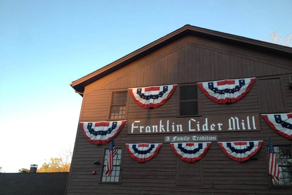https://www.facebook.com/franklincidermill/photos/a.498892300196119.1073741826.154549847963701/710349919050355/?type=3&theater