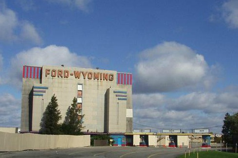 https://www.facebook.com/FordWyomingDriveIn/photos/a.152802531411607.34867.111565995535261/111568022201725/?type=1&theater