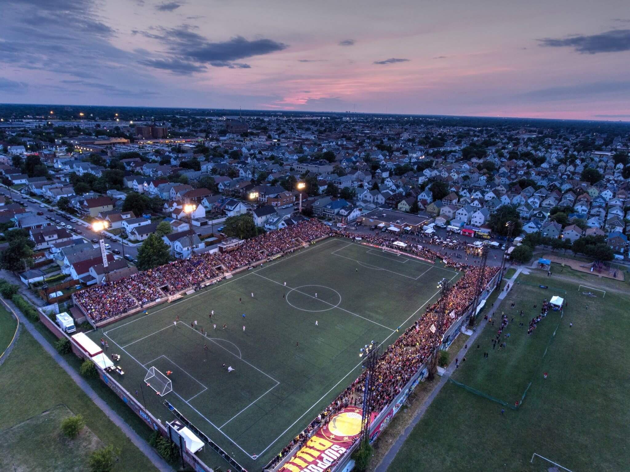 https://www.facebook.com/detroitcityfc/photos/a.388827261132149.105707.294353410579535/1879372602077600/?type=3&theater
