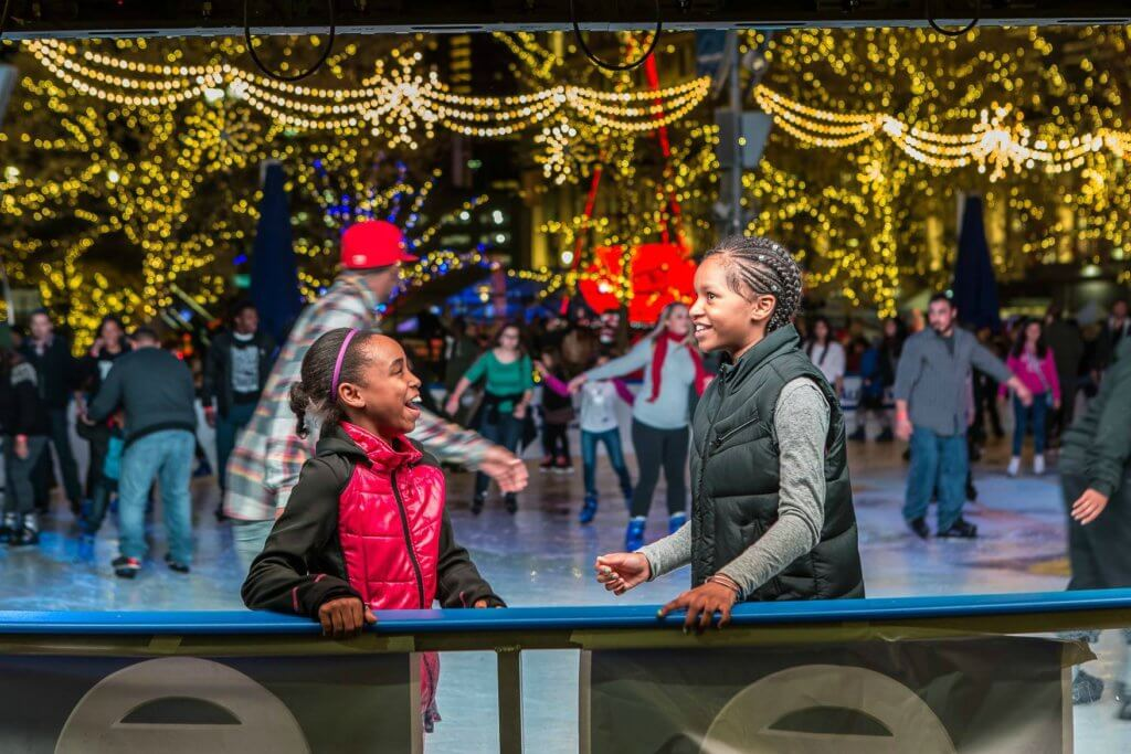 https://www.facebook.com/campusmartiuspark/photos/a.10150580219566130.374477.68851881129/10155785588131130/?type=3&theater