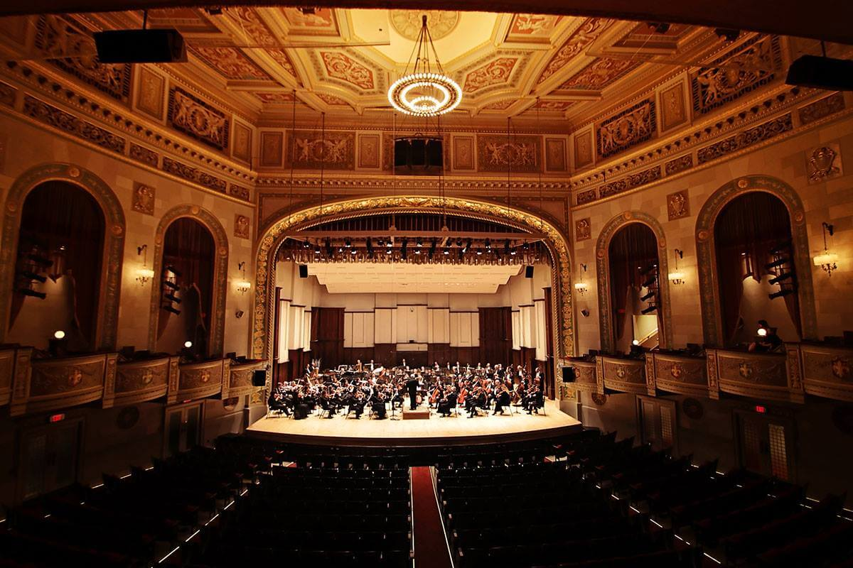 https://www.facebook.com/detroitsymphony/photos/a.139013442615.111110.20771377615/10155070095797616/?type=3&theater