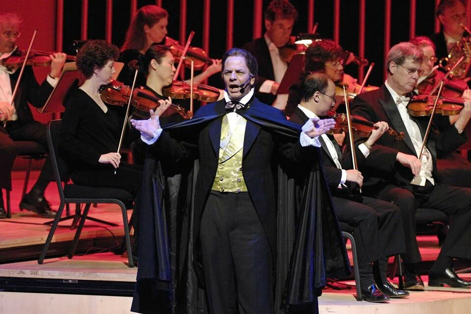 https://www.facebook.com/lincolnsymphony/photos/gm.1416927351785447/10155513618577653/?type=3&theater