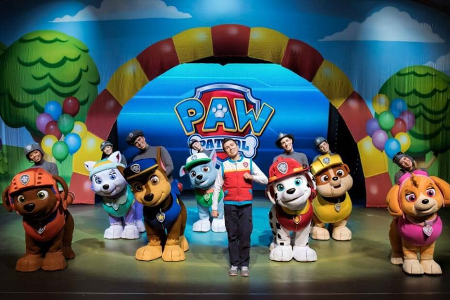 https://www.facebook.com/PAWPatrolLive/photos/a.575420569306038/1145350098979746/?type=3&theater
