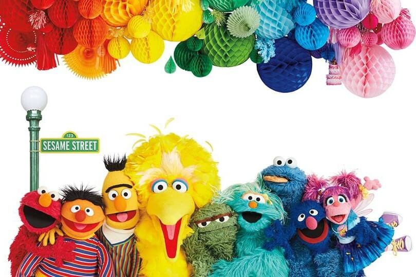 https://www.facebook.com/SesameStreet/photos/gm.275750159972681/10157206983984549/?type=3&theater