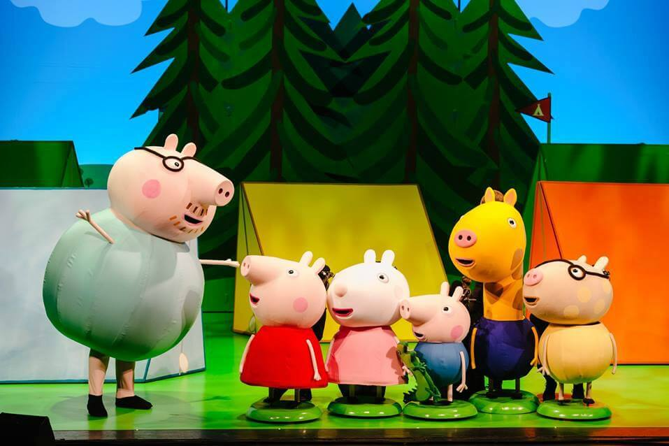 https://www.facebook.com/peppapigliveuk/photos/a.330433247078482/1936463553142102/?type=3&theater