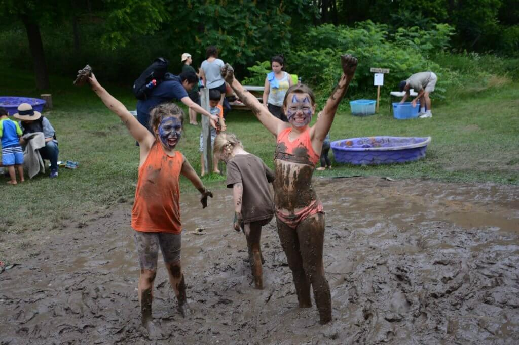 https://annarbordetroit.kidsoutandabout.com/content/international-mud-day