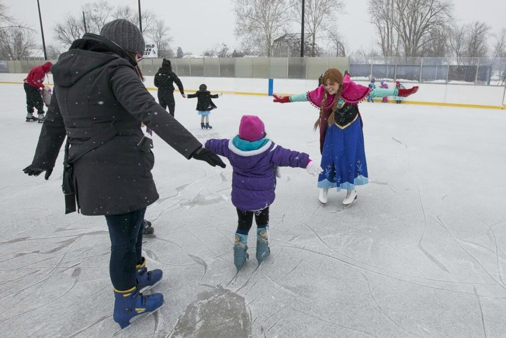 https://www.southbendtribune.com/multimedia/photos/photos-skating-with-the-snow-queen-and-snow-princess/collection_734cba6a-c065-11e4-a2be-4797af762c0c.html#2