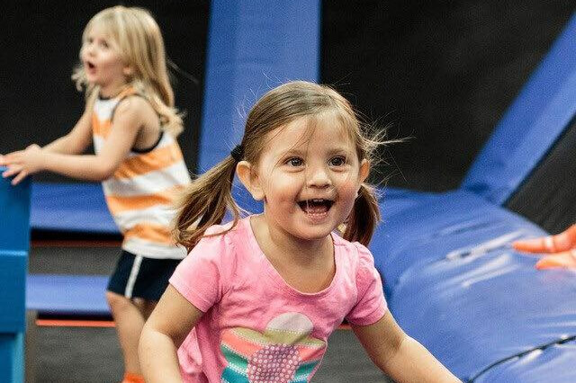 https://www.facebook.com/skyzoneshelby/photos/a.460060764098700/1250015141769921/?type=3&theater