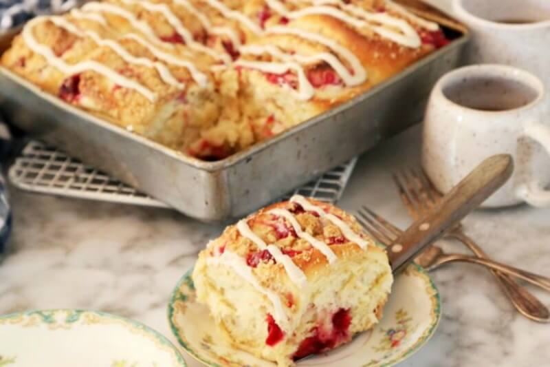 https://joythebaker.com/2019/12/quick-cranberry-cream-cheese-breakfast-rolls/