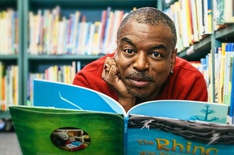 https://www.facebook.com/levarburton/photos/a.628628443882980/1352169498195534/?type=3&theater