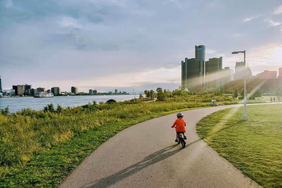 Daily Inspiration Guide for Those Home with Kids: Detroit