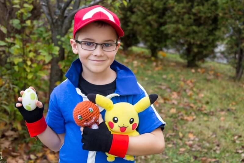 Https://nelidesign.com/diy-pokemon-ash-ketchum-costume/