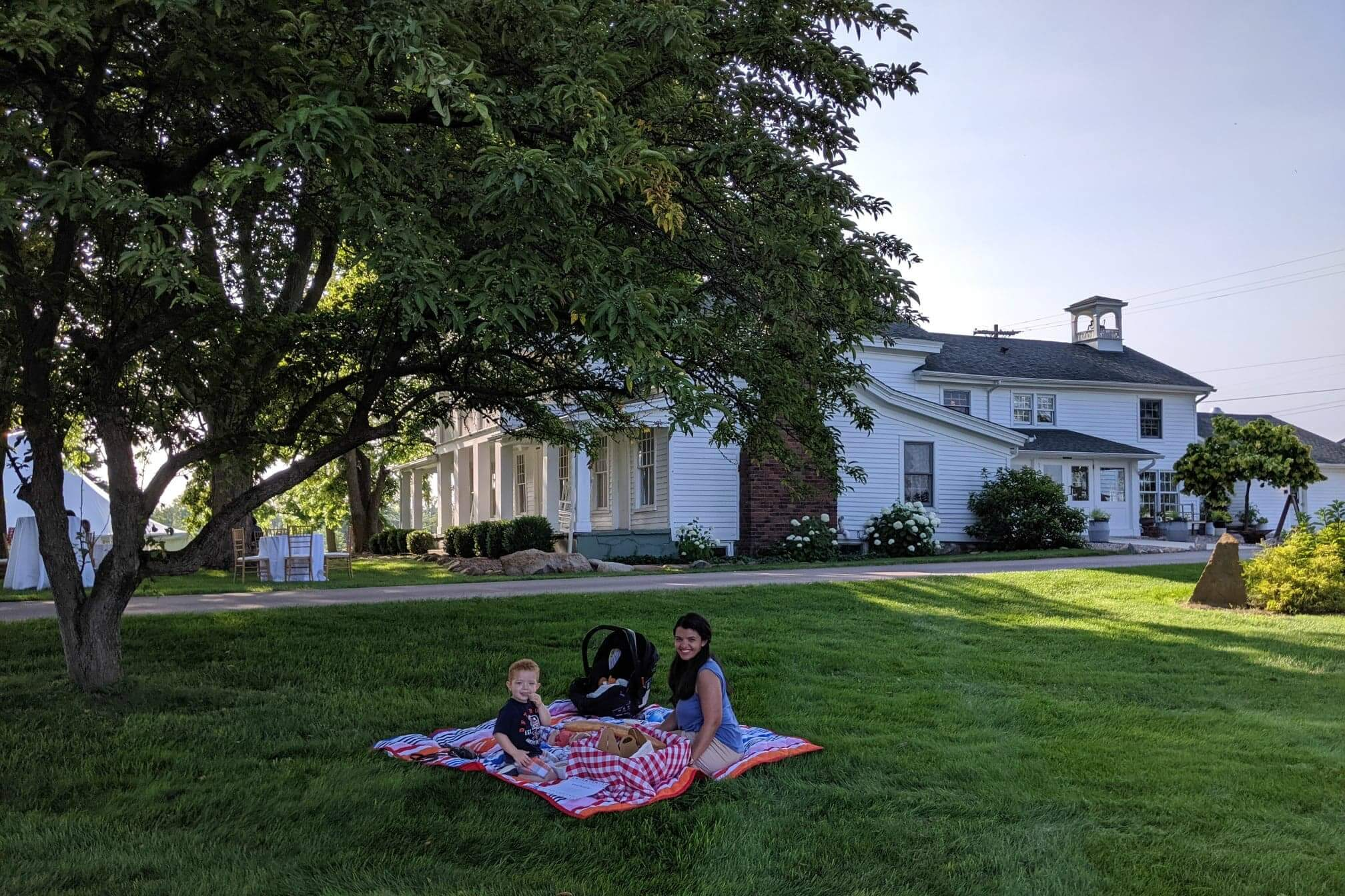 4 Fun Places to Picnic in Metro Detroit