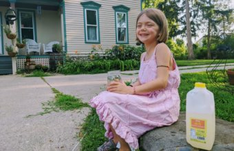 GIVEAWAY: Guernsey Lemonade + Melissa & Doug Lemonade Stand