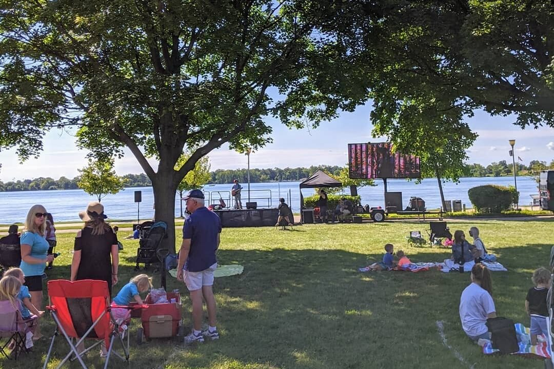 Reading And Rhythm On The Riverfront