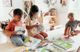 7 POPULAR HOMESCHOOL CURRICULUMS THAT FAMILIES WILL LOVE