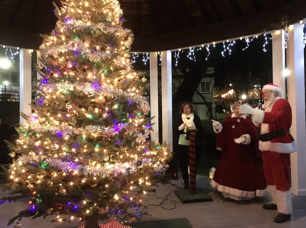 lake orion tree lighting sing and stroll (1)