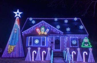 Holiday Houses You Want To Drive-By In Metro Detroit