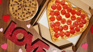 GIVEAWAY: FREE Hungry Howie's Pizza For A Year