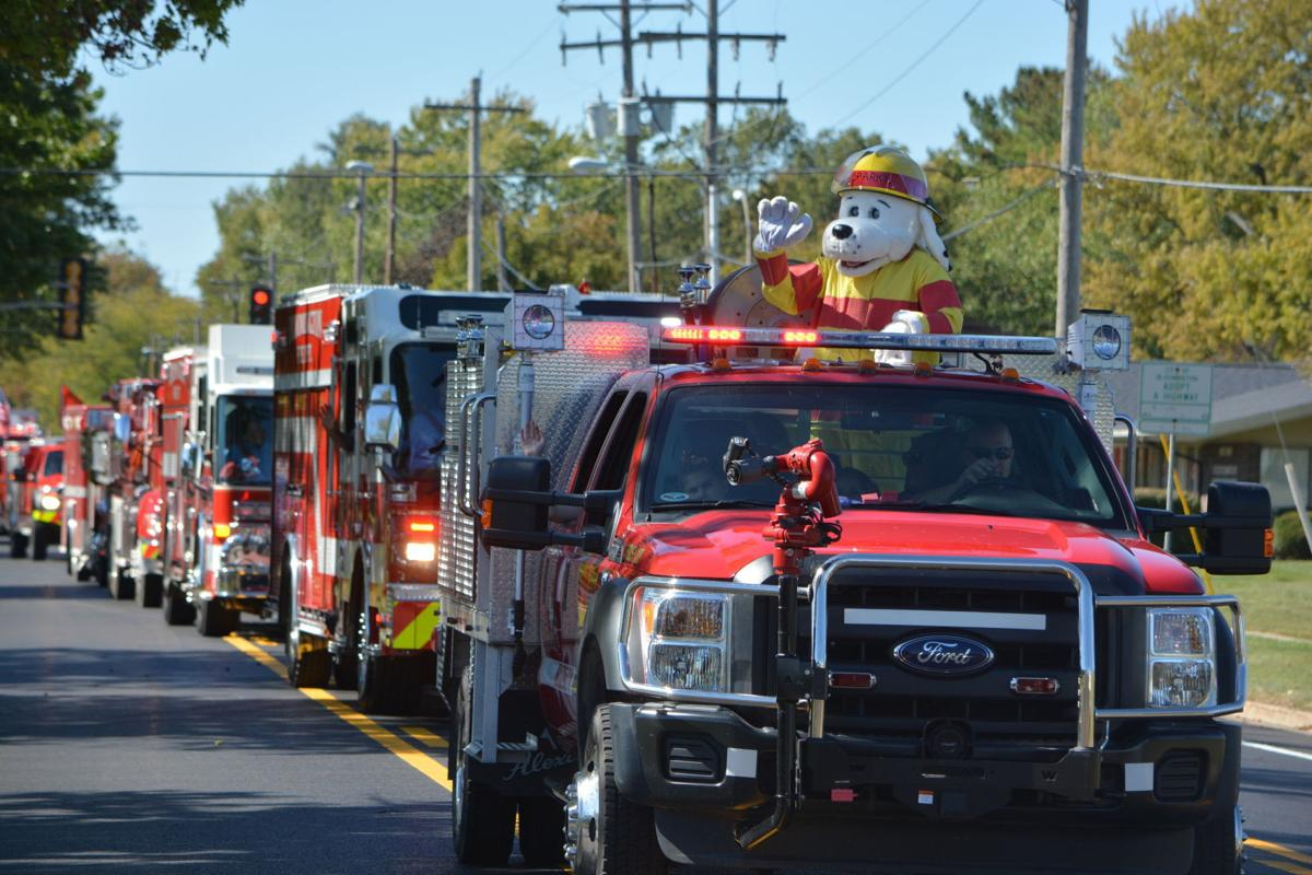 Https://www.pantagraph.com/news/local/firetruck-parade-draws-kids-future-firefighters/article_02aa8f4a-d648-59fb-957b-35e510195615.html
