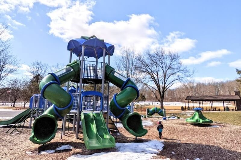 3 Cool Playgrounds To Visit In Oakland County