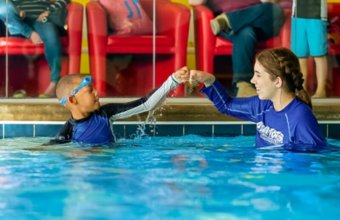8 THINGS TO CONSIDER WHEN CHOOSING A SWIM SCHOOL