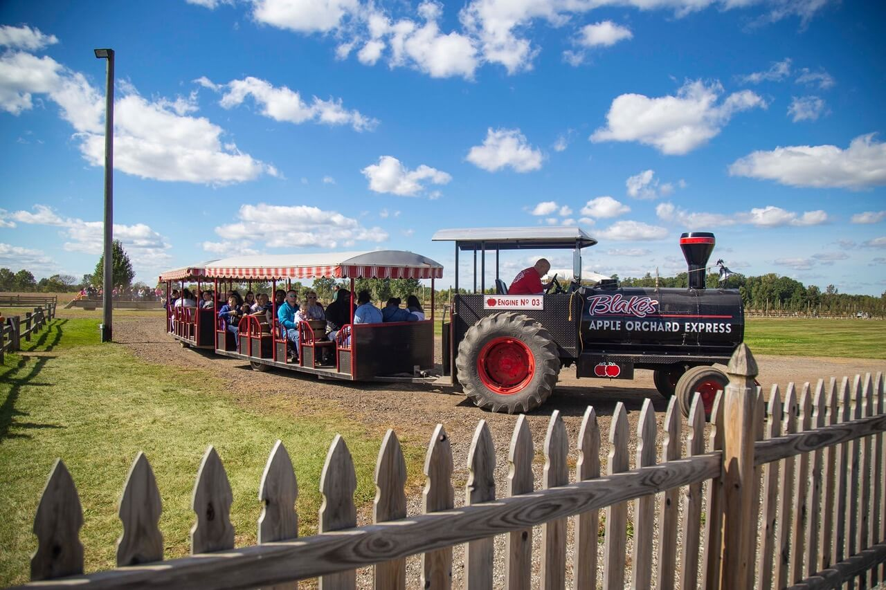 4 Reasons To Plan A Family Trip To Blake Farm This Summer