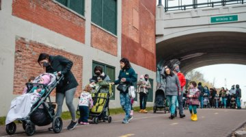 LittleGuide's Stroller Roll Event Returns With FREE Snacks, Superheroes + Family Fun